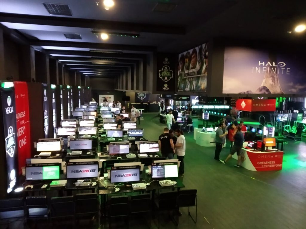 A view of the inside of the venue, with a tournament setup on the left
